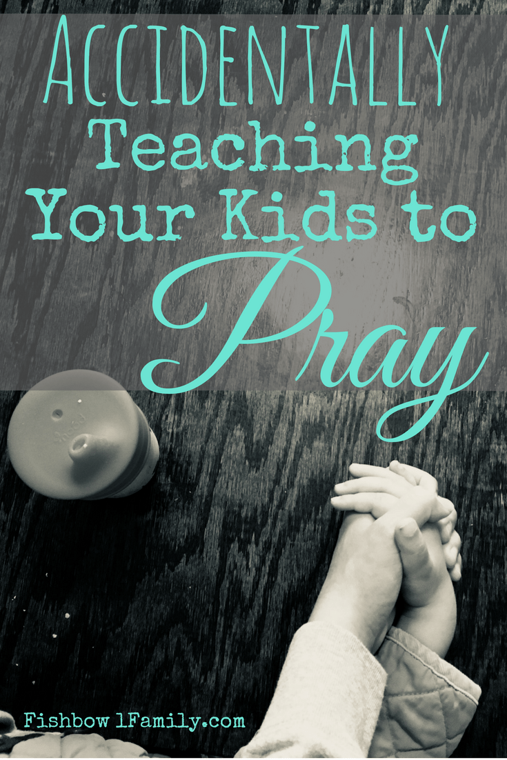 Do you feel like teaching your kids to pray is an overwhelming and daunting task? It's such a huge responsibility! You're teaching your kids to talk to GOD! What if you get it totally wrong? Or what if you've already gotten it completely right on accident? #teachingyourkidstopray #teachingkids #prayerlife #parentinghack