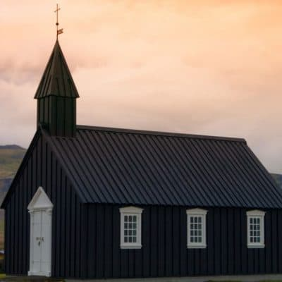 4 Reasons Every Pastor's Wife Needs Church Friends
